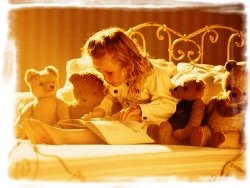 малыш,ребенок, читает, книга, алфавит, игрушки, мишки