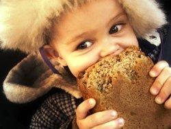 ребенок, есть, хлеб, кормит, голодный