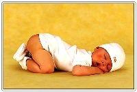 О чем расскажет поза спящего ребенка