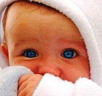 Что уже умеет ребенок 3 месяца и чему его стоит научить