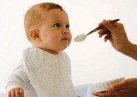 Ребенок 6 месяцев: начало прикорма