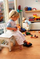 Почему ребенок боится детей?