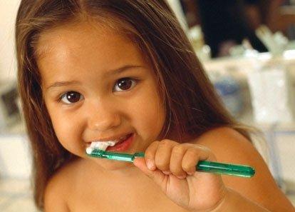 Первые зубки малыша