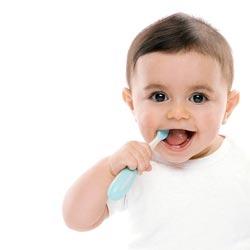 Выбираем малышу зубную пасту