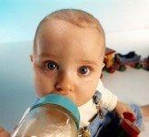 Как посчитать, сколько съедает ребенок молока