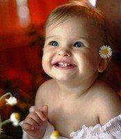 Голливудская улыбка ребенка