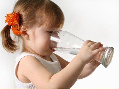 Сколько воды должен пить малыш