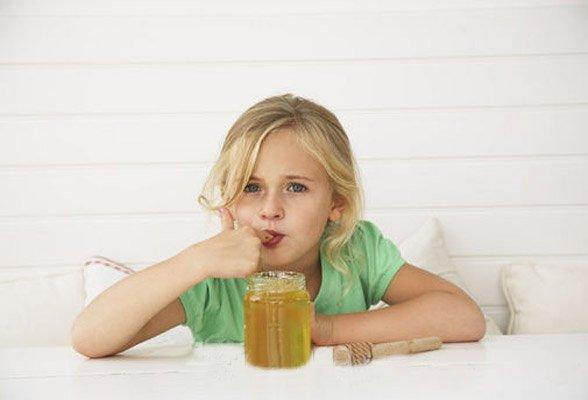 Мед в питании малыша