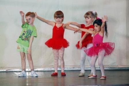 Роль танца в жизни малыша