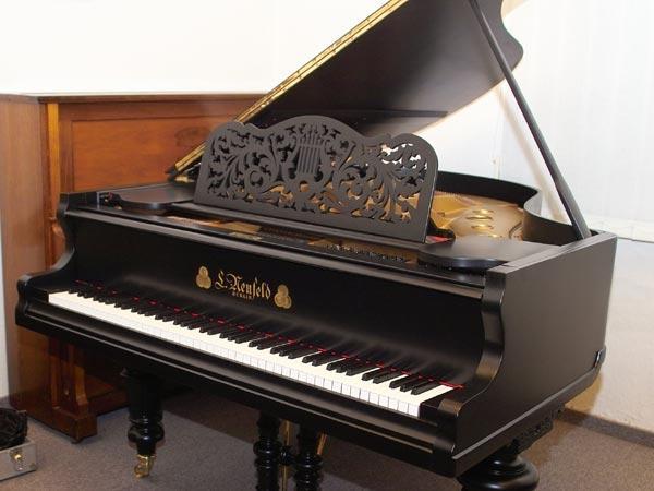 Выбираем пианино для маленького музыканта
