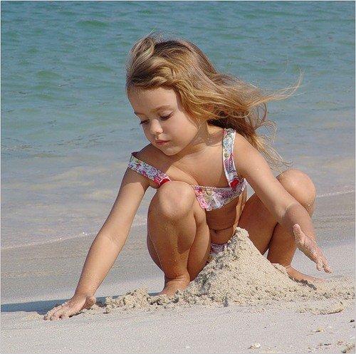 Морские игры с песком и водой