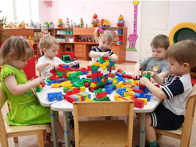 Дети в садике учатся самостоятельности