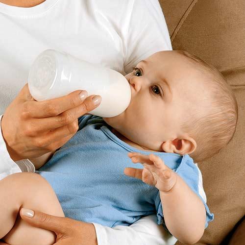 Как отучить ребенка от привычной бутылочки