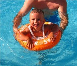 Плаваем.